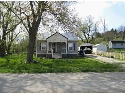 3 Bed 1 Bath Foreclosure Property in Carlisle, KY 40311 - Maysville Rd