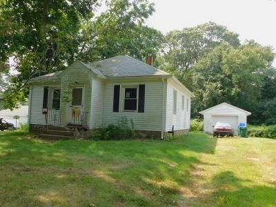 2 Bed 1 Bath Foreclosure Property in Quaker Hill, CT 06375 - Bloomingdale Rd