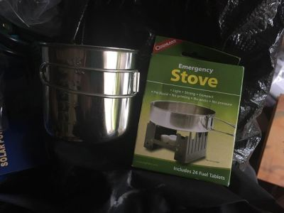 Emergency stove with additional cup