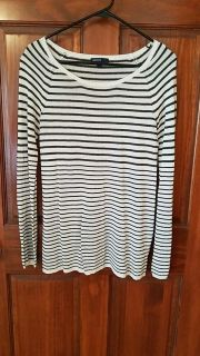 Gap maternity size S sweater