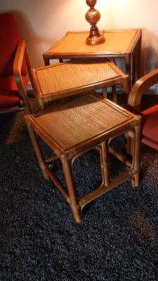 Vintage 1950's wicker nesting tables (3)