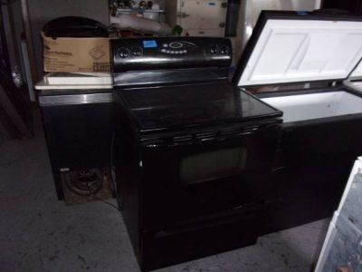 Maytag Glass Top Electric Stove