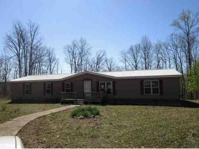 4 Bed 2 Bath Foreclosure Property in Hohenwald, TN 38462 - Timberline Dr