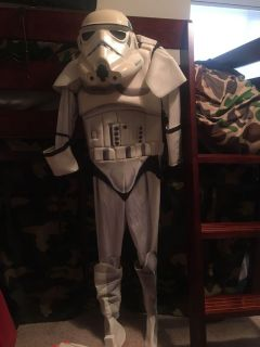 Star Wars Storm Trooper Child Small includes blaster