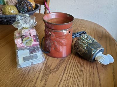 Scentsy lot, $10