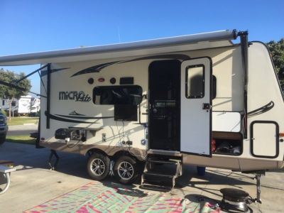2017 Forest River Flagstaff Micro Lite 21DS