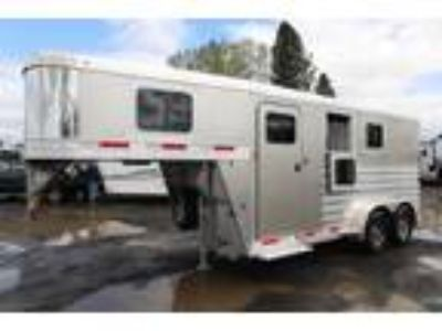 2019 Exiss 7200 Slant Load Stud Div Easy Care Flooring 2 horses