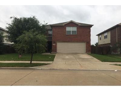 4 Bed 2.5 Bath Preforeclosure Property in Forney, TX 75126 - Pine Knot Dr