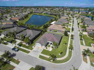 327 Hope Bay Loop Apollo Beach, WELL DESIGNED & MAINTAINED 5