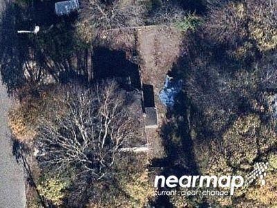 2 Bed 1 Bath Preforeclosure Property in Bellport, NY 11713 - Hoffman Ave