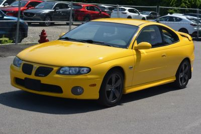 2004 Pontiac GTO Base (Yellow Jacket)