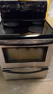 Frigidaire Glass Top Black and Stainless Stove