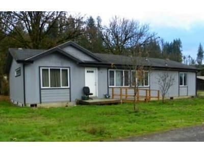 3 Bed 2 Bath Preforeclosure Property in Winlock, WA 98596 - SE Front St