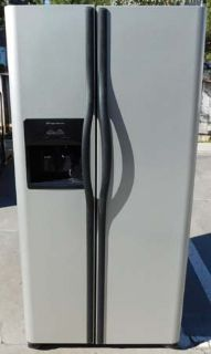23 CU. FT. FRIGIDAIRE SIDE-BY-SIDE REFRIGERATOR- STAINLESS (FINANCING)