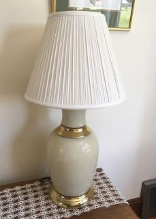 Lamp, ceramic base with 3-way switch,