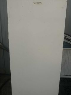FRIDGIDAIRE STAND UP FREEZER