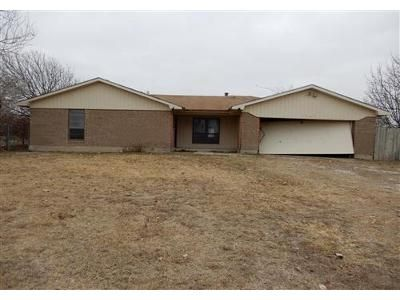 3 Bed 2 Bath Foreclosure Property in Ponder, TX 76259 - Couch Rd