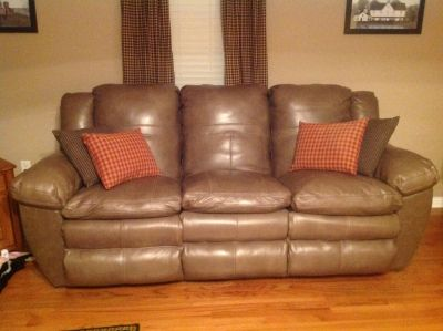 Catnapper made byAria couch and love seat