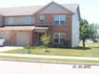 Three BR Towmhome West Troy 1500 Square Feet With Washer Dryer