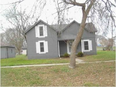 3 Bed 1 Bath Foreclosure Property in Mitchellville, IA 50169 - Arch Ave NE