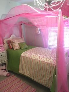 Twin Canopy/ 4-Post Bed