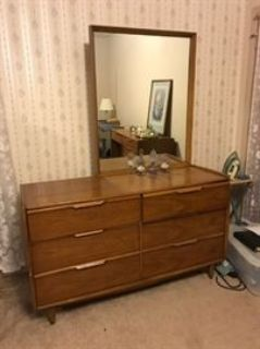 THE BEES ARE MIDCENTURY MOD IN HOMER! A 1-DAY BLOWOUT!