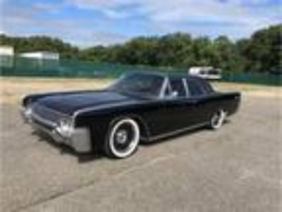 1961 Lincoln Continental 430ci