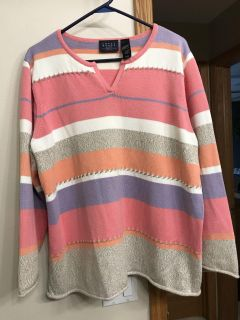 Beautiful sweater by crazy horse. Size 1x