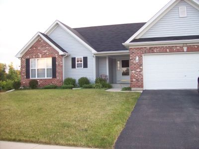 Room and Common Areas to Share in Four Bedroom House, Near NIU, Dekalb,IL