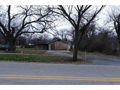 3 Bed 2 Bath Preforeclosure Property in Fort Gibson, OK 74434 - Garrison Ave