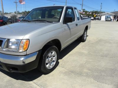 1998 Nissan Frontier SE (SIL)