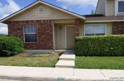 9140 Timber Path San Antonio Two BR, Darling 1 story townhouse
