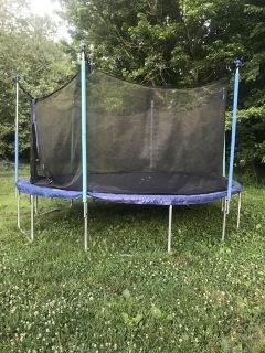 12ft trampoline with net and ladder