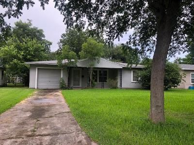 3 Bed 1 Bath Foreclosure Property in Texas City, TX 77590 - 1st Ave N