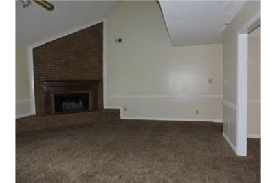 Convenient location 5 bed 3 bath for rent. Washer/Dryer Hookups!
