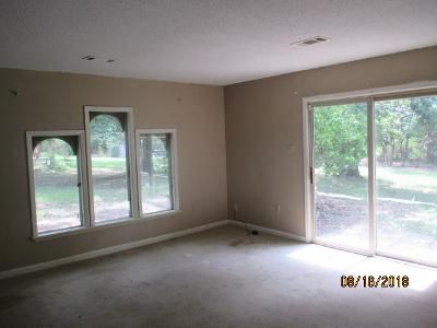 2 Bed Foreclosure Property in Maumelle, AR 72113 - Oneida Cv