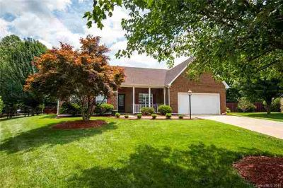 1601 Mountain Ashe Court MATTHEWS, What a location!