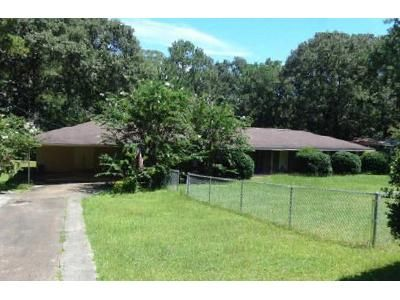 3 Bed 3 Bath Foreclosure Property in Chipley, FL 32428 - Timberlane Rd