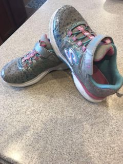 Size 13.5 Sketchers star gym shoes. Overall good, used condition.