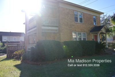 Cute 2br/1ba Chatham Crescent lower apartment