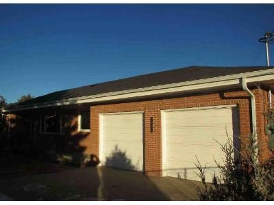 3 Bed 2 Bath Foreclosure Property in Cheyenne, WY 82007 - W College Dr