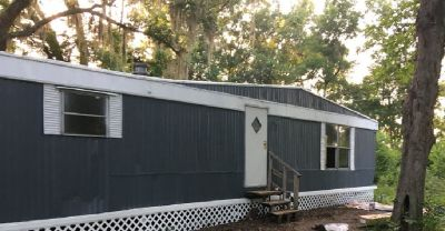 2 Bed | 1 Bath Mobile Home For Rent - Lot 15