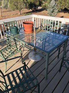 Glass and Metal outside table & chairs Great condition