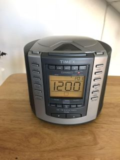 Timex disc/am/pm/alarm clock radio