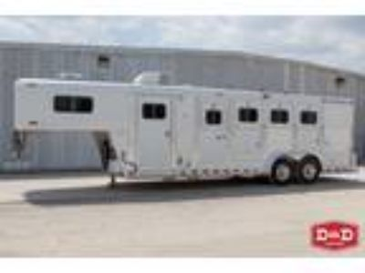 2004 Elite Trailers 4 Horse Living Quarters Trailer 4 horses