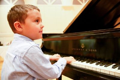 Try Free Piano Lessons online!