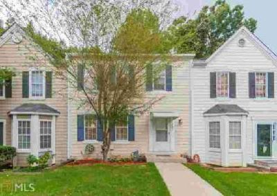 1021 Plantation Way NW Kennesaw Three BR, Spectacular Townhome