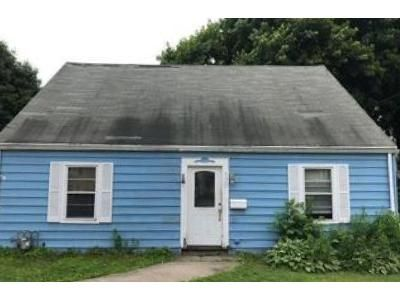 4 Bed 1 Bath Foreclosure Property in Milford, CT 06460 - E Broadway