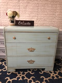 """VINTAGE Dresser/ langer table with 3 drawers- 36""""x33""""x16""""- refinished in apple green with gold-Wood-120$"""