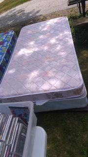 Twin mattress n box spring